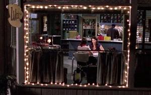 Lorelai & Rory inside Luke's Diner