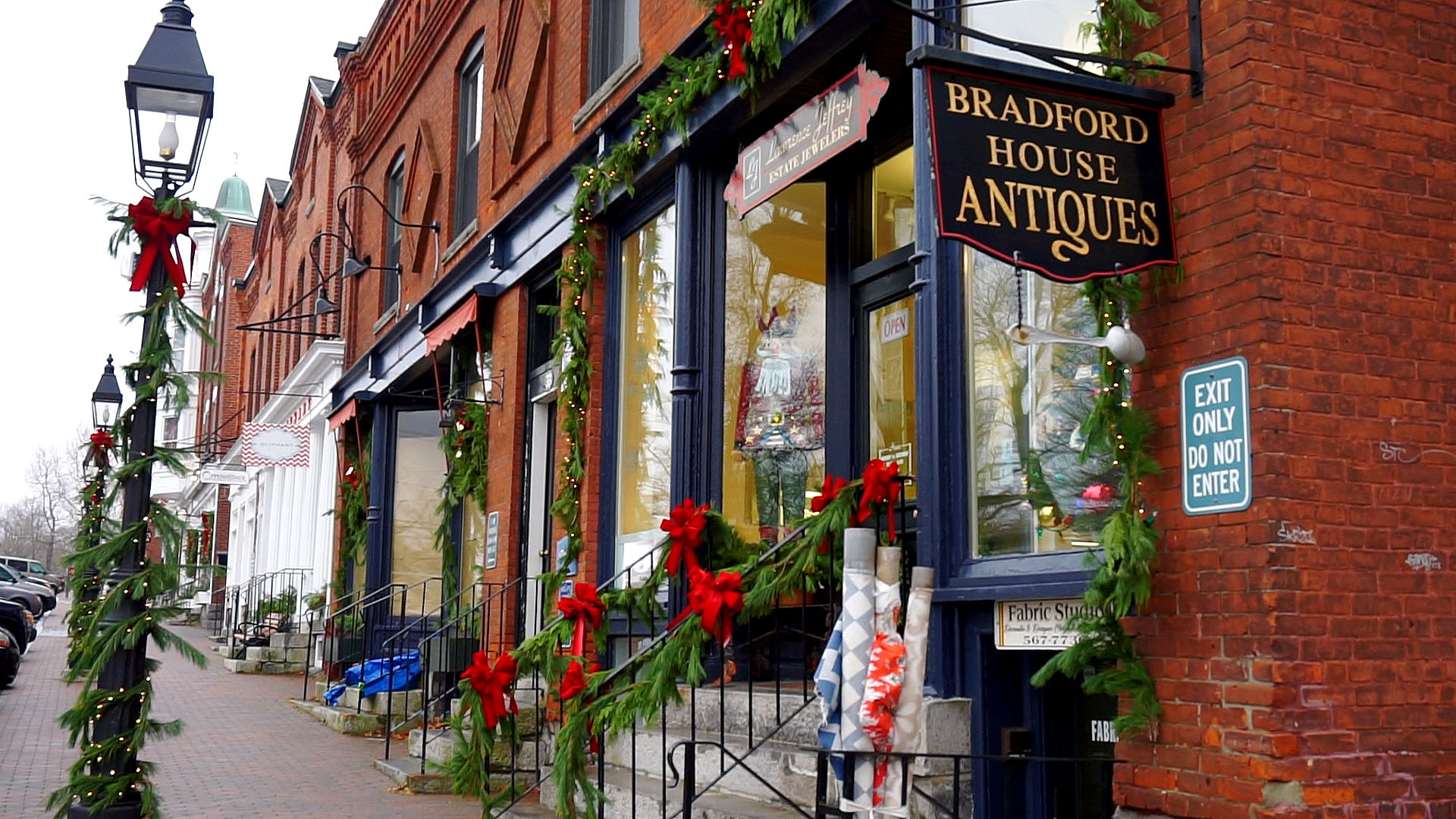 Cute antique shop dressed for the holidays in Litchfield, CT.